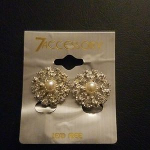 Fashion clip on earings. New